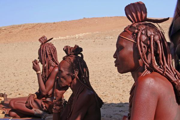 Nella Terra rossa degli Himba