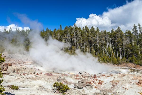 Batuffoli di nubi e fumi