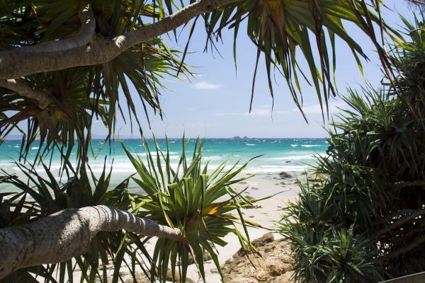 Stile per le vie ed incanto lungo le spiagge