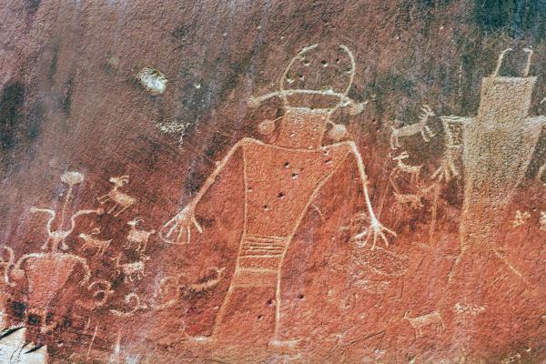Esplorando un Petroglyphs Trail